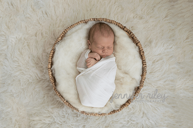 baby-basket-newborn-photography