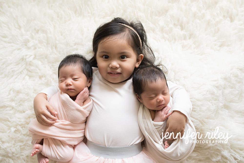 Newborn_Twins_Sibling_Photography