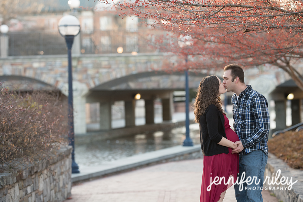 Winter Maternity Photography Frederick MD
