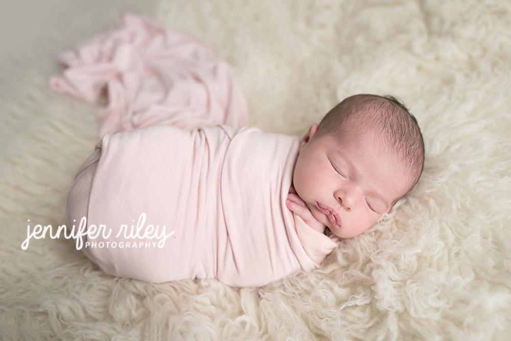 Newborn_Pink_Wrap