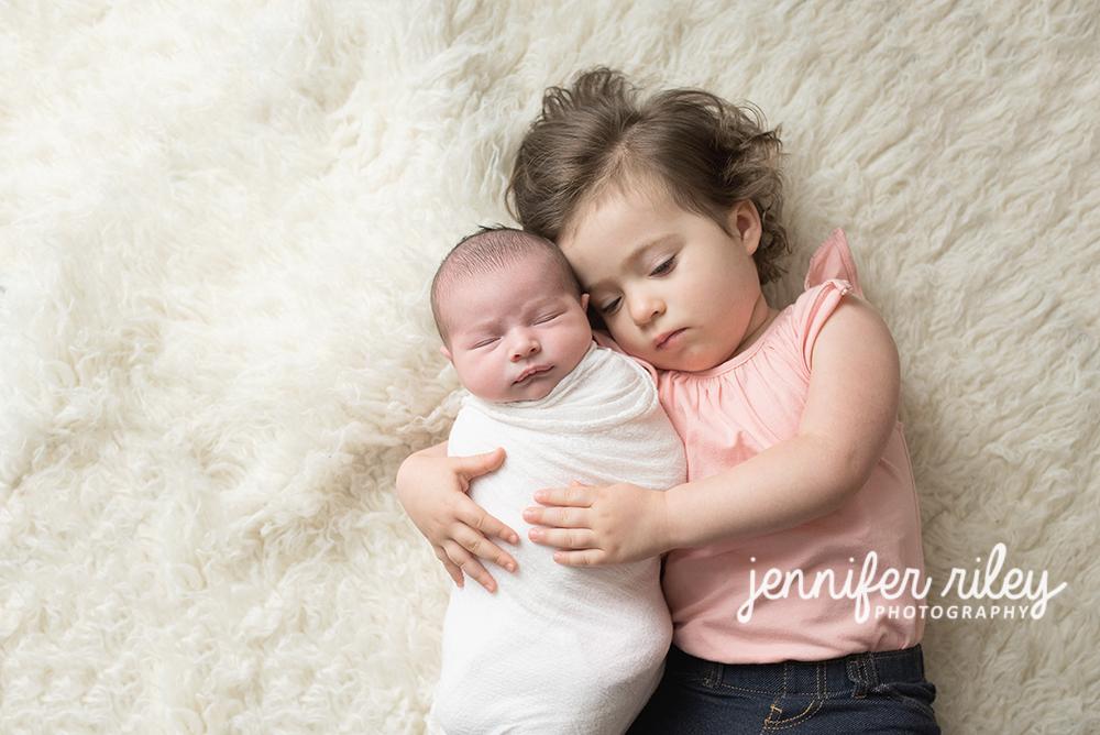 Sibling_newborn_Photography