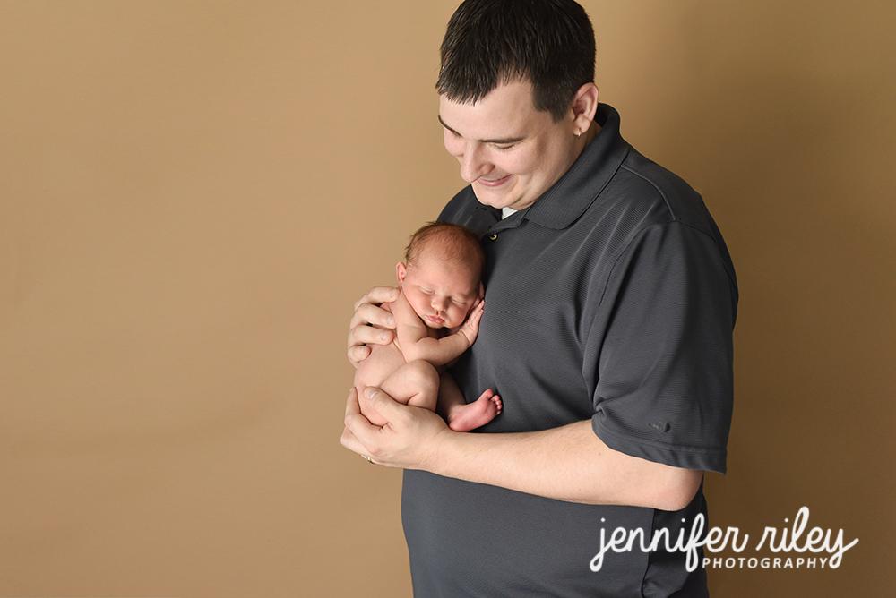 Daddy_and_Newborn
